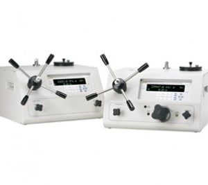Manual pressure calibrators and monitors